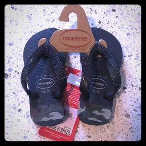 Toddler havaianas black and camo green letters